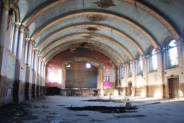I bet this was a lovely place to dance in years ago