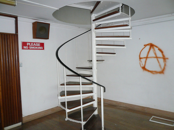 Like a similar set of stairs in Voyage to the bottom of the Sea!!