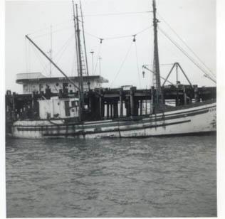 Ugo_s_Oil_Dock_Astoria_Eagle_Union_Oil_Jim_Parker_Ugo_Seebor