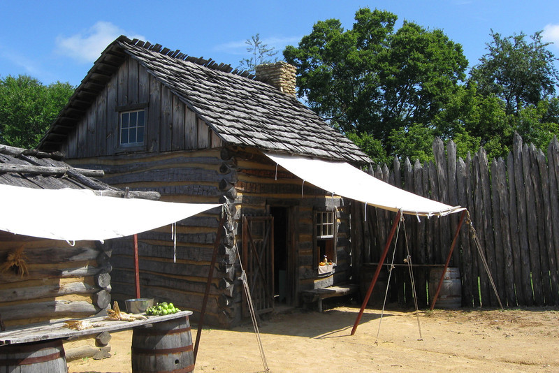 The other cabin in the west end of the fort...there is no historical record that says is actually <i>had</i> a second story but the design was based on other known structured of the period...
