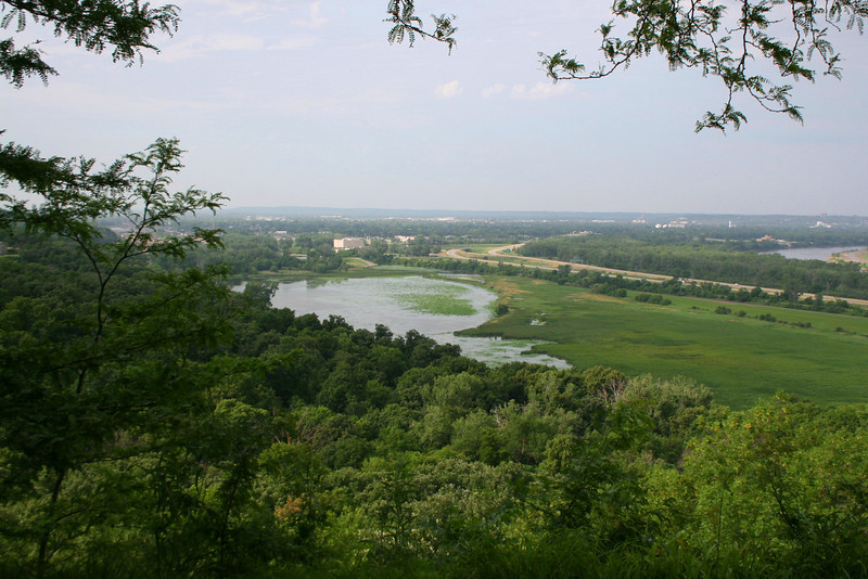 Overlooking the Missouri River plain from the momument in Council Bluffs...
