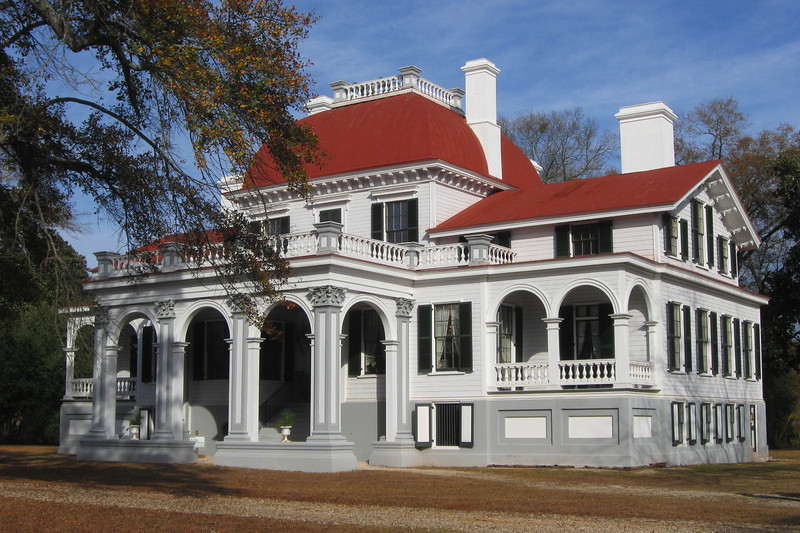 The front of the mansion...