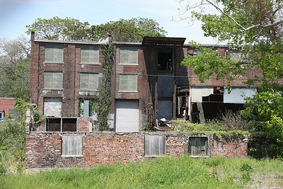 An abandoned building, just south of Beale Street.