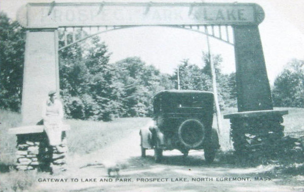 North Egremont Gateway to Lake