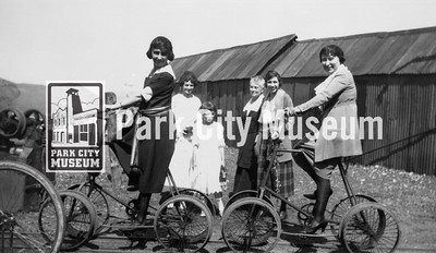 Girls on quadricycles, ca.1920s (Image: 1984-23-10, Bea Kummer Collection)