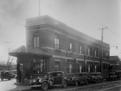 H.C. Bohack Restaurant and Cafeteria, Starr Street and Flushing Avenue
