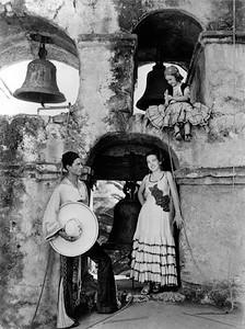 1930, Olvera St. Life