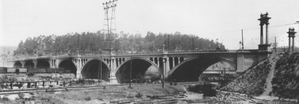 1918, North Broadway Street Bridge