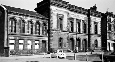 Pollok St, east side near Paisley Rd.  Pollok St UP Church (John Peddie sen., 1856).   The pub next to it was The Clachan.     June 1975