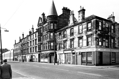 Govan Rd, north side at Stag St.   Another Rangers footballer's pub.     July 1975