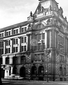 The Laidlaw St/Morrison St corner of the centre block.     December 1975
