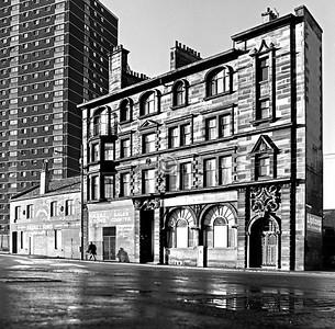 Gorbals St, Linen Bank building.    January 1977