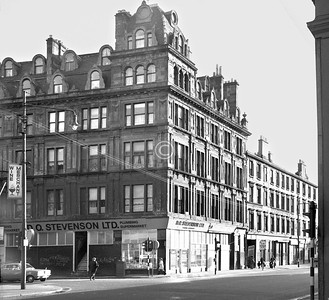 Corner of Moir St and London Rd.   A remarkable 6 storey tenement block, with a double bank of dormer windows.    January 1974
