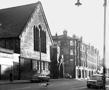 London Rd, north side east of Claythorn St.   St Luke's United Free Church.    January 1974