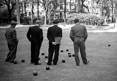 Things To Do In the Queen's Park, no.12 - Have a game of bowls.