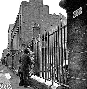Renfrew St.  Garnetbank Primary Sch.   February 1976
