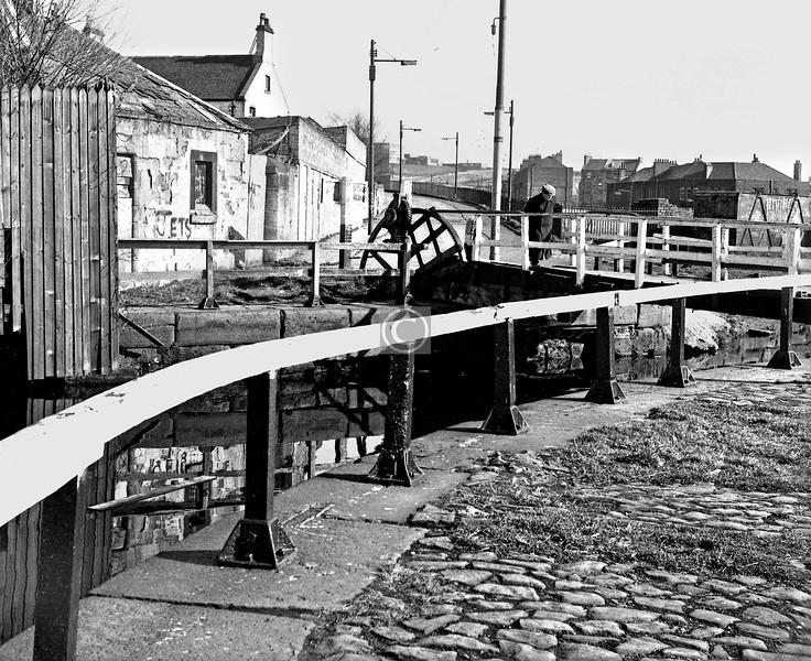 Applecross St bascule bridge.  March 1974