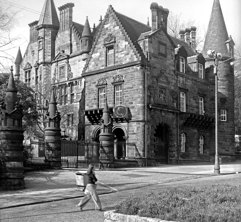 University Ave, Pearce Lodge.    April 1975