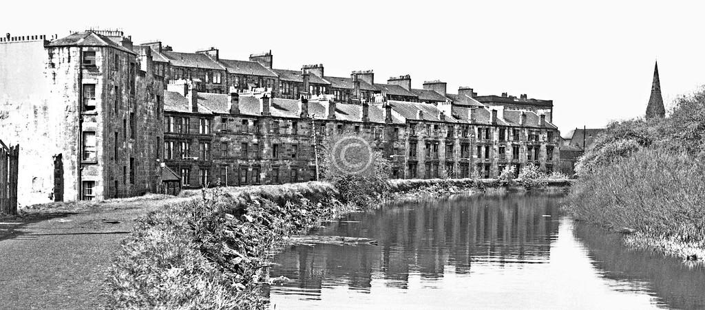 F&C behind Maryhill Rd.  May 1975