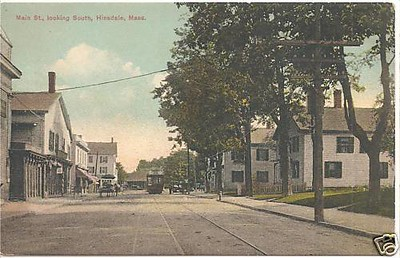 Hinsdale Mian St with Trolley