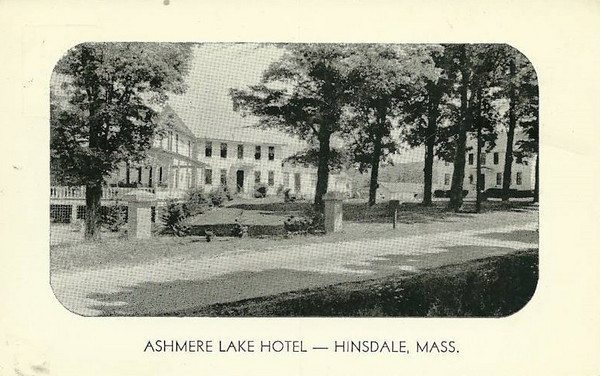 Hinsdale Ashmere Lake Hotel