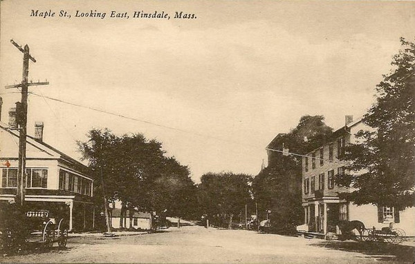 Hinsdale Maple St looking East