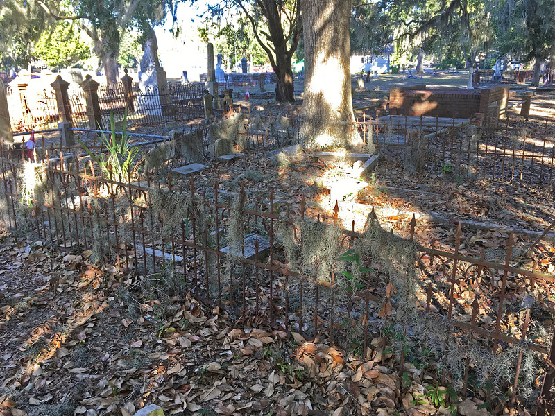 Oak Grove Cemetery Society - Brunswick, Georgia - Cleanup Day - 12-10-16