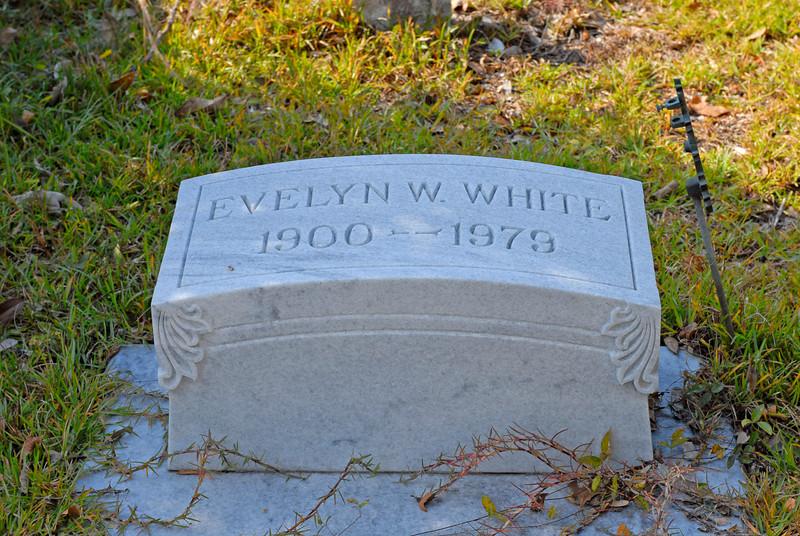 White - Evelyn W. White b.1900 d.1979