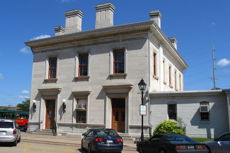 <i>U.S. Custom House & Post Office (ca. 1857)</i> - This building first served as a customs house and then a post office.  It is said to be the oldest operating post office in the United States.