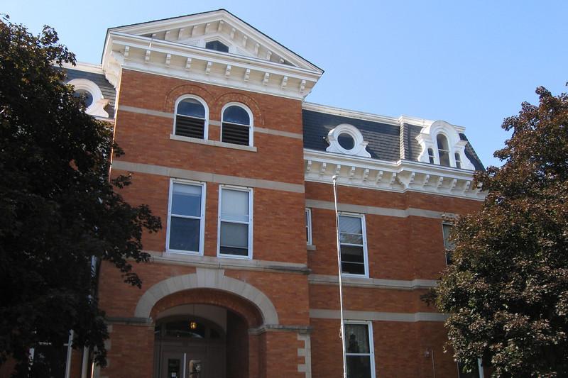 <i>Jo Daviess County Courthouse (ca. 1839)</i>