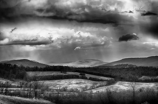 Snow Falling Tween the Hills
