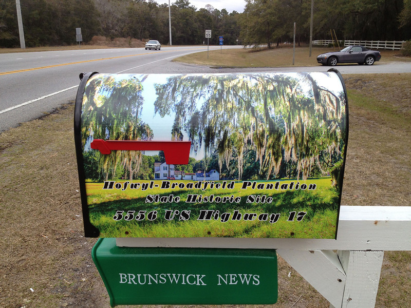 Building the new Hofwyl-Broadfield Sign - Mailbox 02-08-13
