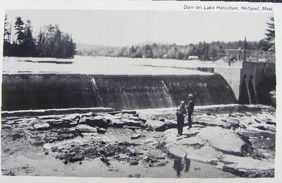 Holland Dam on Lake hamilton