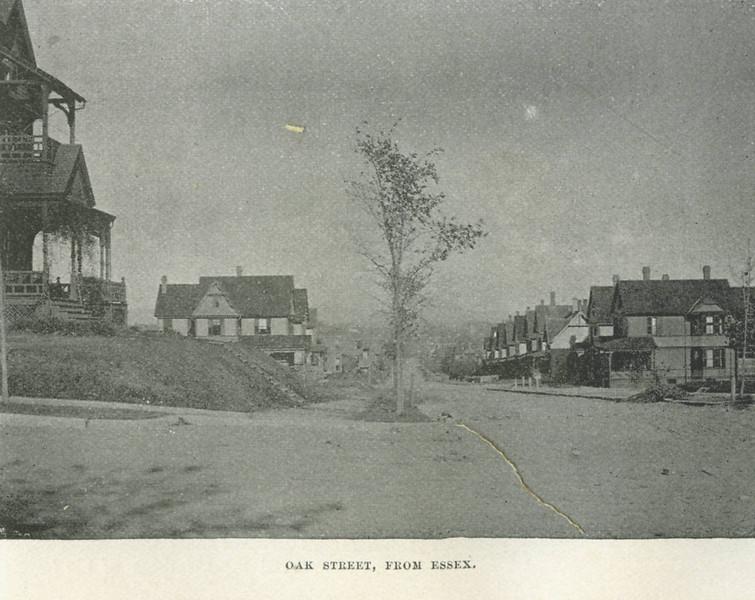 Holyoke Oak St from Essex