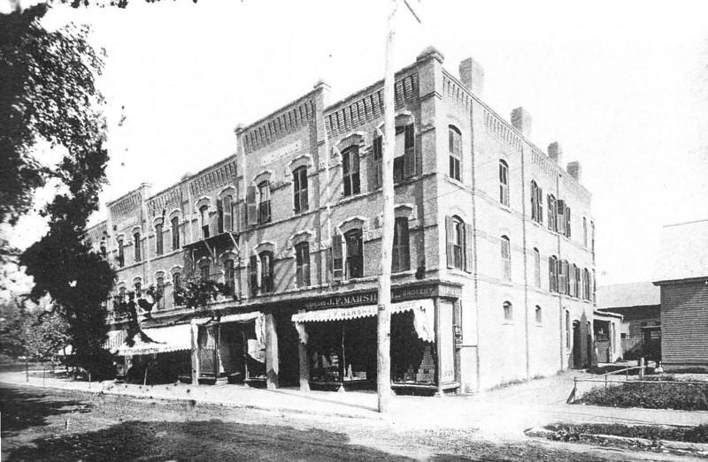 Holyoke 1880 Hampden St
