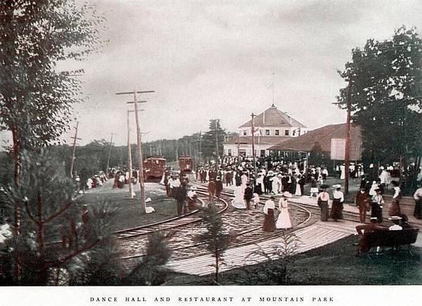 Holyoke Arrival at Mt Park 1