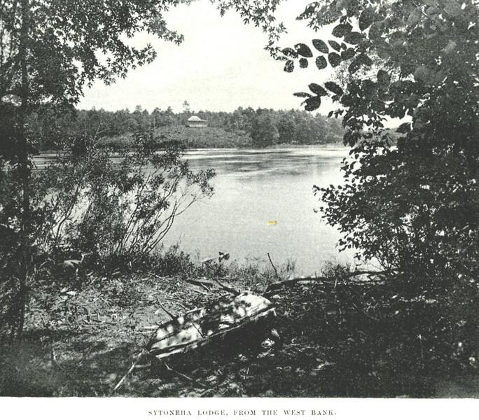 Holyoke Sttonera Lodge