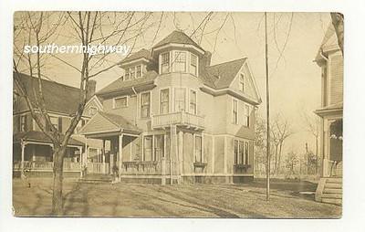 Holyoke Taylor St House