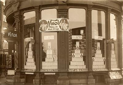 Holyoke Bardwell Store Front