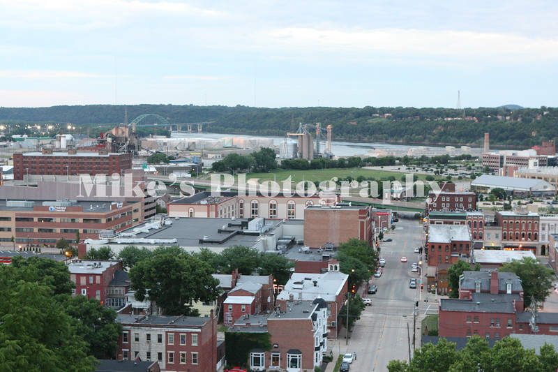 You can see a long way from the ridge above Dubuque