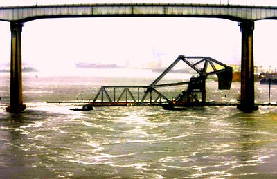 TED JACKSON / The Times-Picayune   The railroad bridge takes a pounding from water being blown by Hurricane Gustav down the Industrial Canal at 11:30 Monday morning, September 1, 2008.