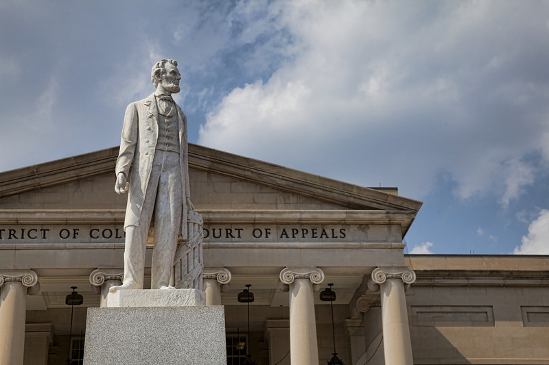 Lincoln in front of District of Columbia Court of Appeals