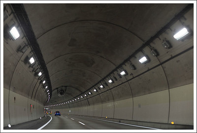 There were so many long tunnels on the way to Nagano.