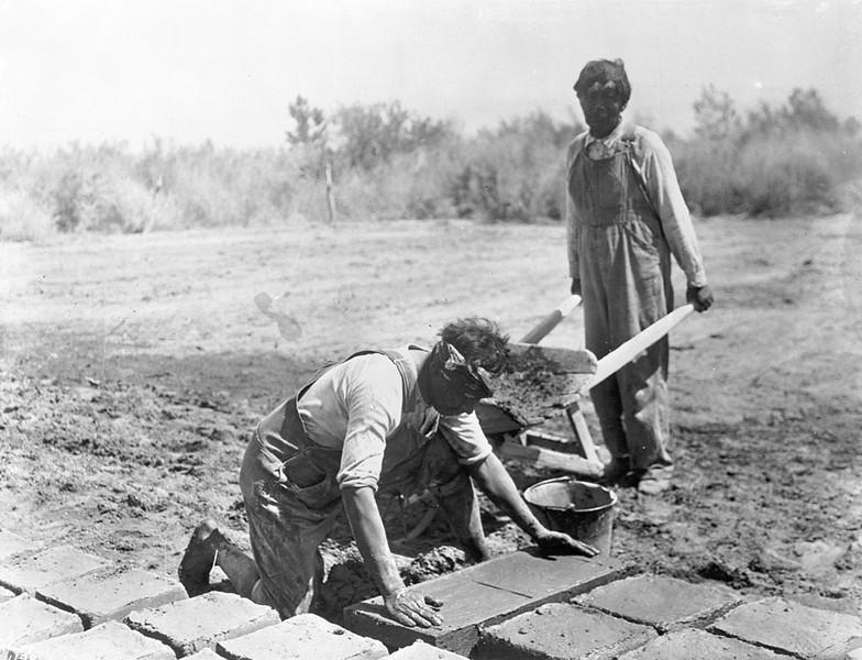 1900-1909,  Adobe Brick Makers
