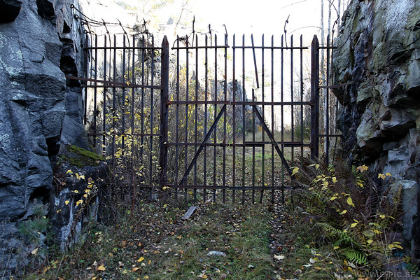 The closed gates to 3:rd  battery in 2011