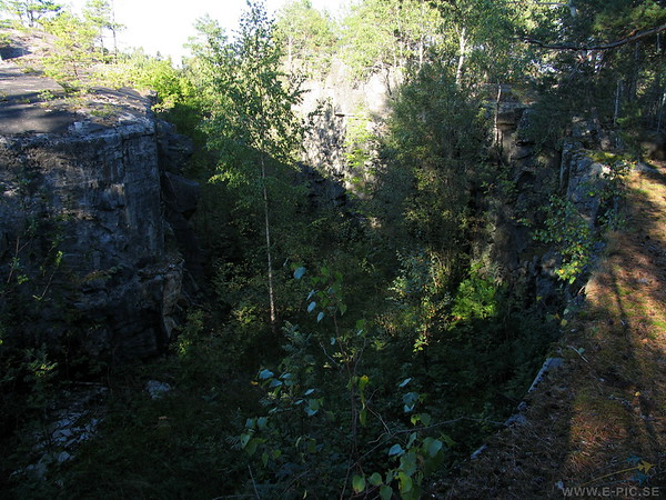 View of the 3:rd battery keep across the dry moat.