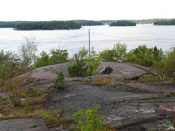Gun pit of the 12:th battery keep covering one of the sea lanes to Stockholm