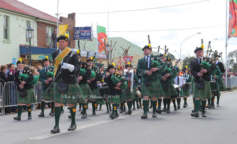 An important festival in Boorowa is the annual 'Irish Woolfest' which is held during the October long week-end. A street parade features Pipe Bands, floats, vintage vehicles and machinery. The event draws massive crowds from surrounding areas.