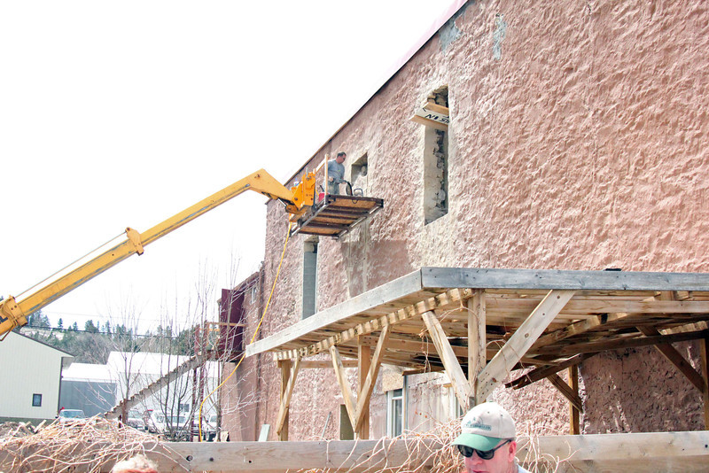More renovation is underway at the Bonniwell building, which is located to the north of the Lane and Jones buildings on Meade Street.
