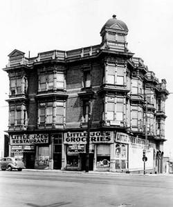 1939, Restaurant Exterior